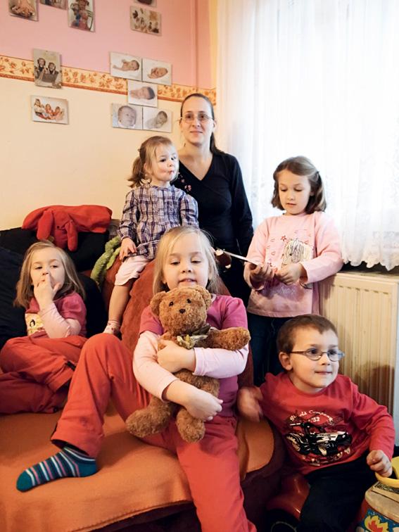 Mutter Kathrin und die 5 Kinder